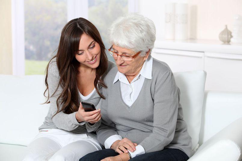 Telefon dla seniora – kilka ciekawych propozycji