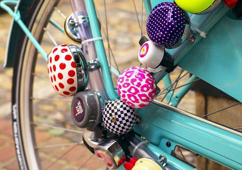Akcesoria rowerowe – przegląd niezbędnego wyposażenia