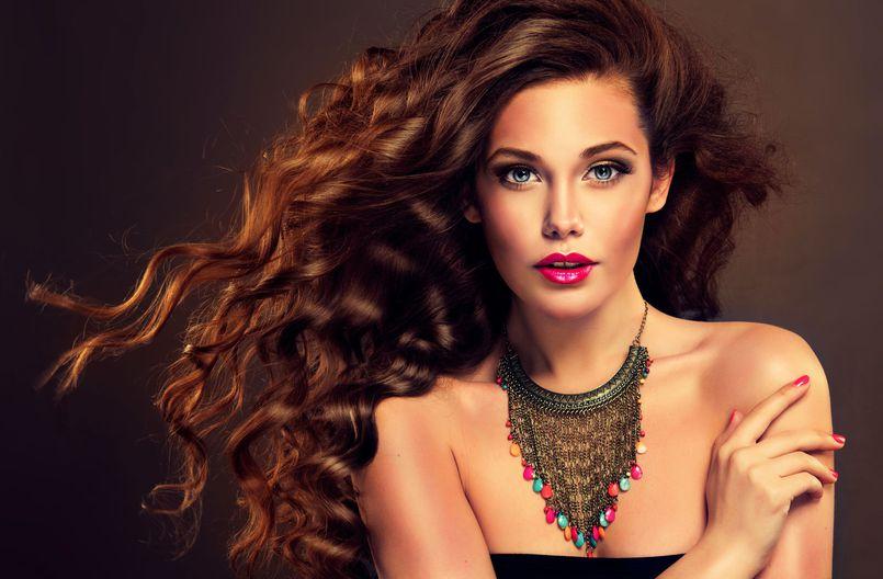 Regeneracja urody po lecie – kosmetyki z apteki i domowe sposoby. Część II: włosy
