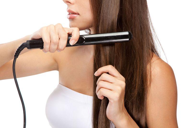 Prostownice i karbownice do włosów – przegląd modeli