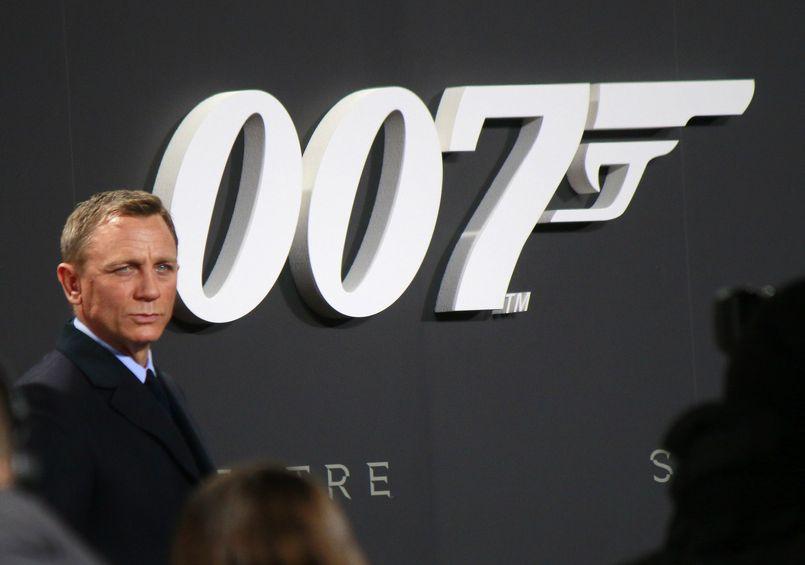 007 James Bond – prezentacja serii filmów