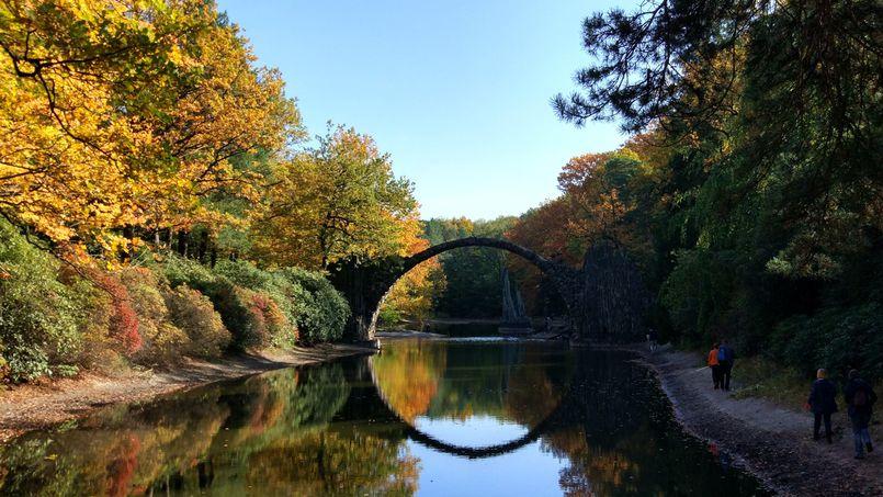Most Diabła (Most Rakotz) w Kromlau, Saksonia, Niemcy
