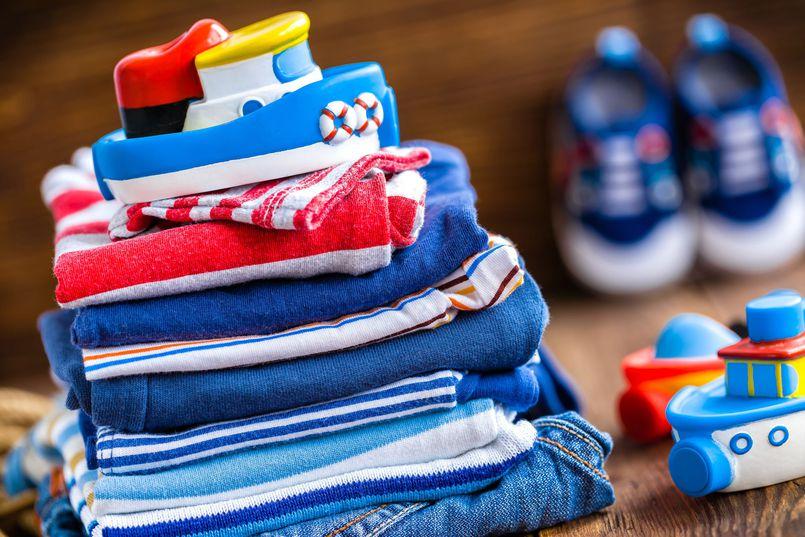 Używane dziecięce ubrania i zabawki. Co z nimi zrobić?