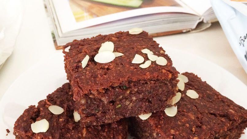 Przepis na czekoladowo-orzechowe ciasto z cukinii - PRZEPYSZNE!