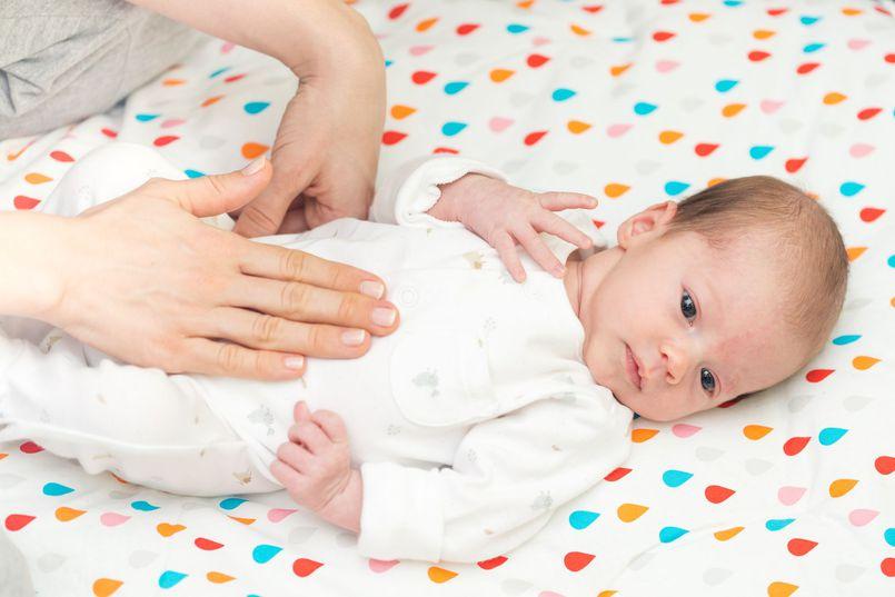 Na ratunek niemowlętom – łagodzenie objawów kolki u maluszków